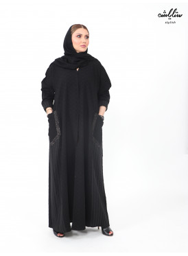 Kuwaiti abaya in black