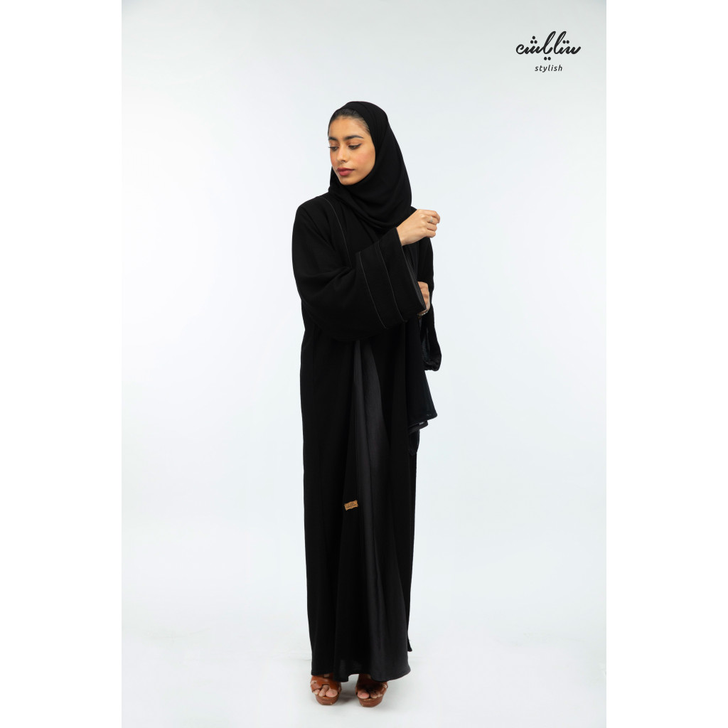 Shumukh Emirati Abaya with buttons in black color