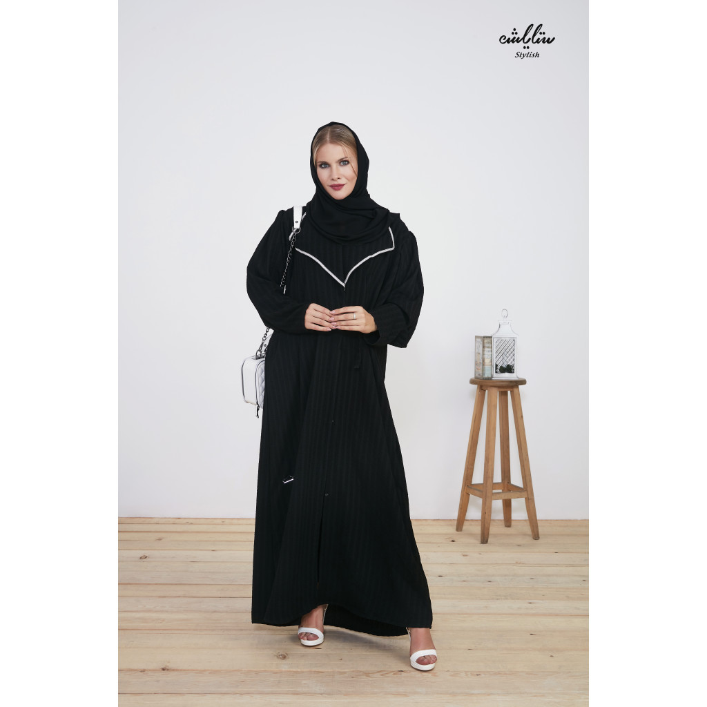 Bahraini abaya striped with buttons in black color