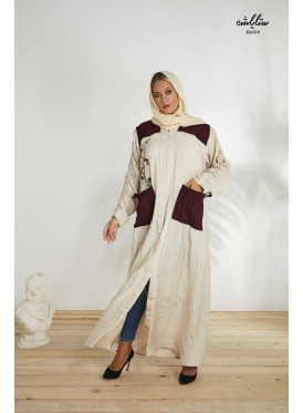 Abaya in beige and burgundy decorated with embroidery