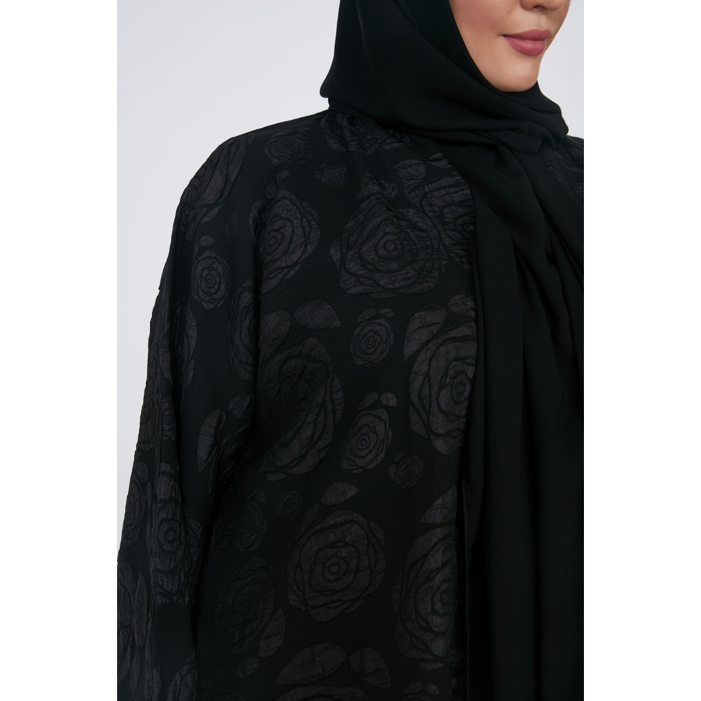 Wide black embossed abaya