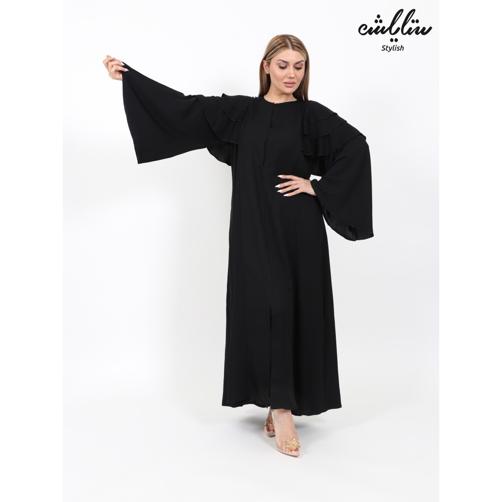 Bahraini abaya in black decorated with layers