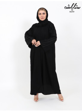 Abaya in black with embroidery on the sleeves