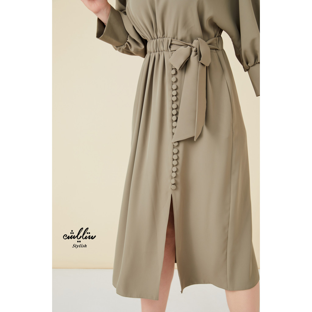 Round neck self belted dress with side buttons