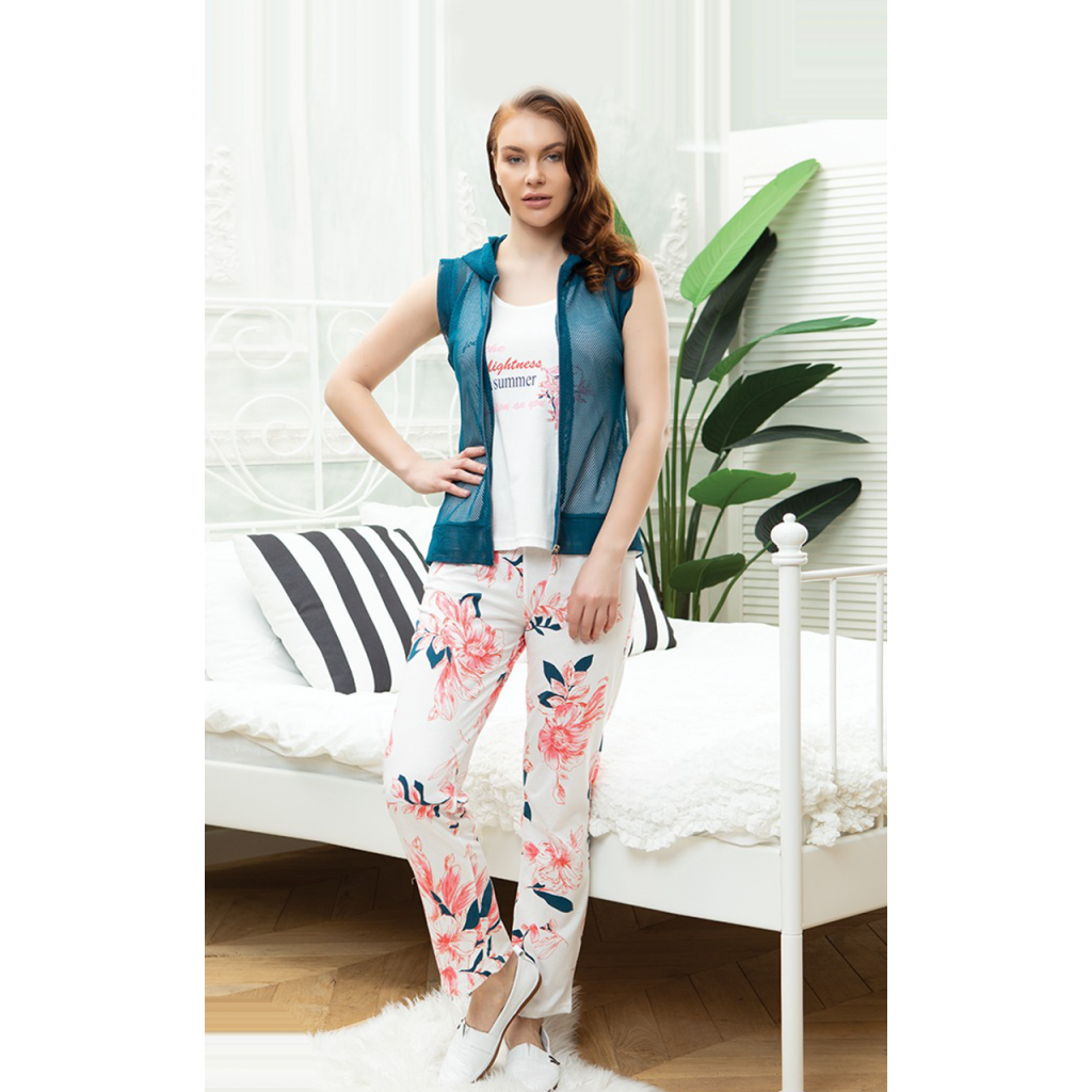 3-piece home set with floral patterned trousers