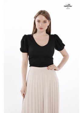Round neck T-shirt with puffed sleeves