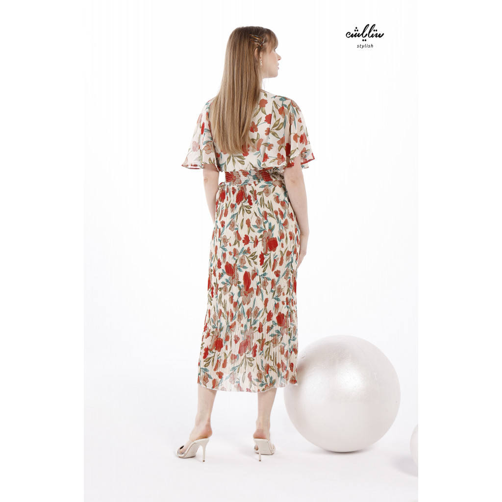 Floral Print Maxi Dress With Shirred Waist For Soft And Elegant Look