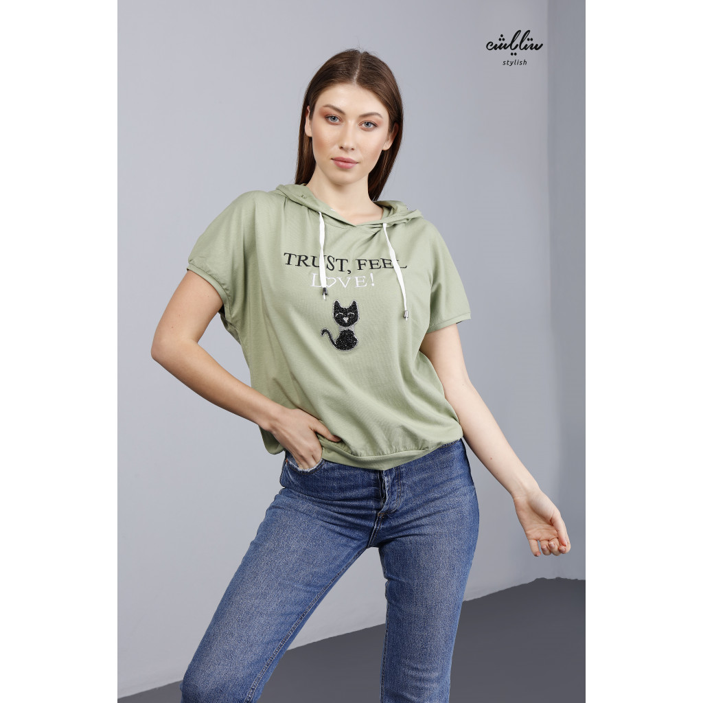 T-shirt with cute prints and cap