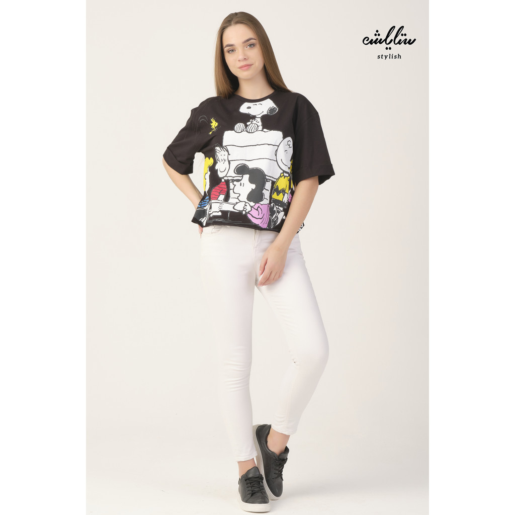 Black T-shirt with cute graphic print