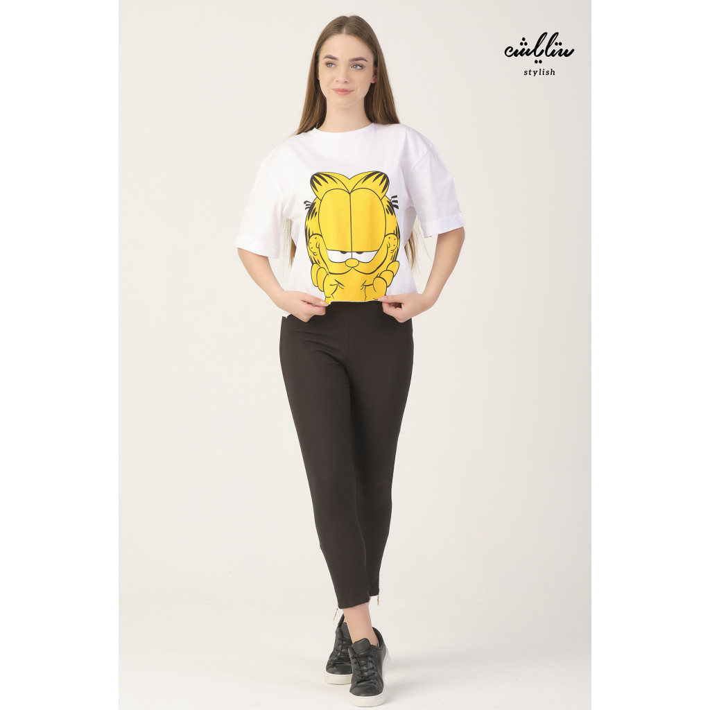 White T-shirt with the character of the cat Garfield