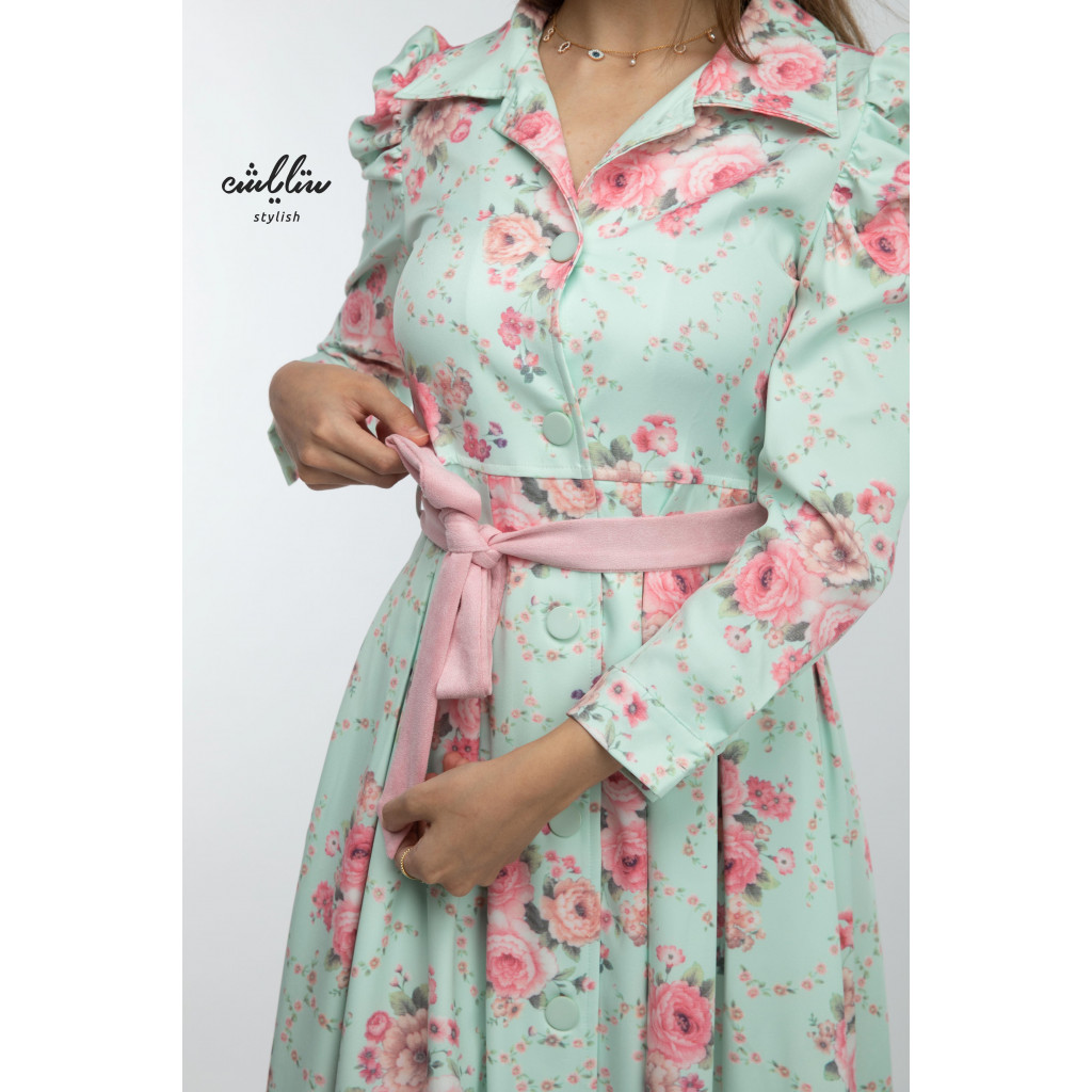 Tiffany dress with formal collar and belt and floral print