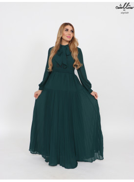 Long chiffon dress with a soft green color