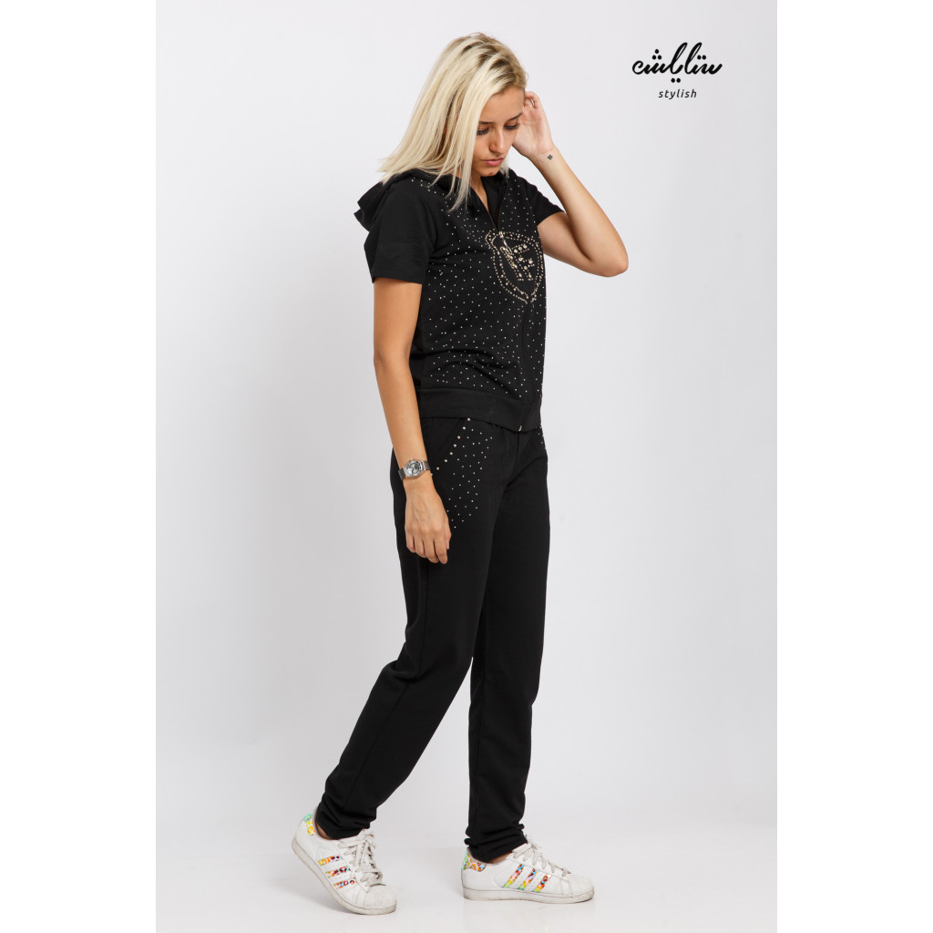Stylish black set in two pieces with a hat decorated with swarovski granules for a modern look