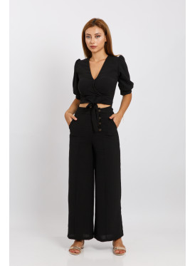 Beautiful black set with a stylish belt and high west pants paired with side buttons for a sexy and sexy look