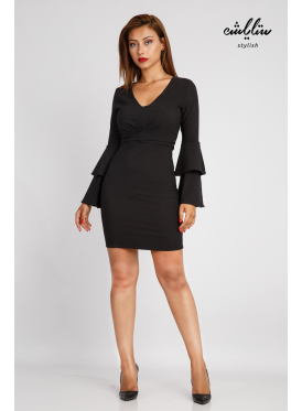 Black short dress with long sleeves with layers and folds on the chest, soft and trendy