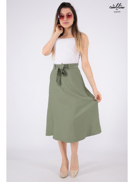 Soft green mini skirt with a belt that increases elegance