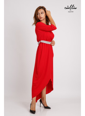 Stylish midi dress with a crystal belt with a chic red cut