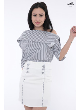 Stylish tayore set with white and blue striped blouse with soft design and attractive white skirt