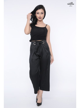 Black trousers with a silky touch and a stylish strap at the waist for magic crisp