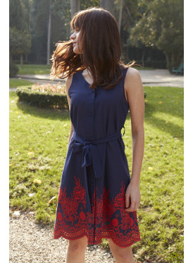 Elegant dress with a fine material in navy blue for the prettiest view