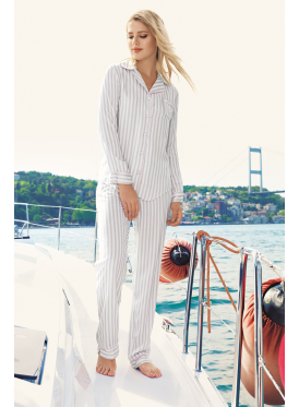 Pajama is all smooth in grey design with soft and refined material