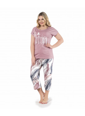 Soft feminine in these chic pajamas with timberland pants and attractive color