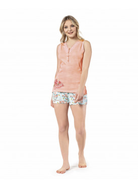 sweetness and softness in these beautiful coral shorts