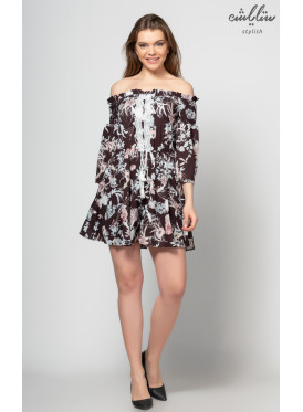 Short dress in black, off-shoulder with a floral design for a very soft look