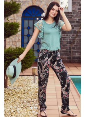 Soft pajama blouse in the color of the Tiffany and trousers in Nice prints crisp attractive