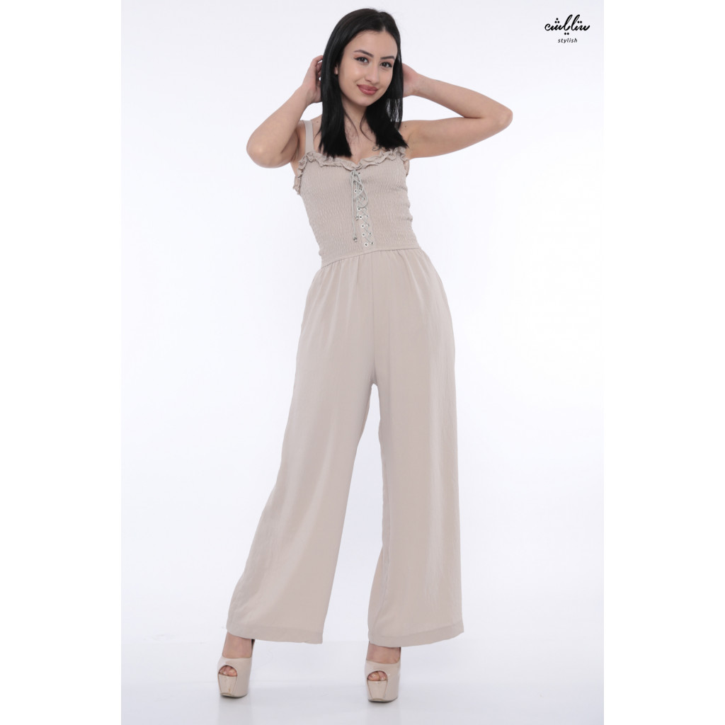 Elegant jumpsuitwith attractive beige shoulder design