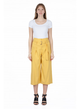 Hi West MIDI yellow trousers with two crumb down the waist and an belt for attractive summer crisp