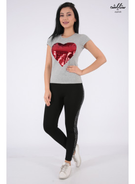 Elegant grey T-shirt with sequin heart print