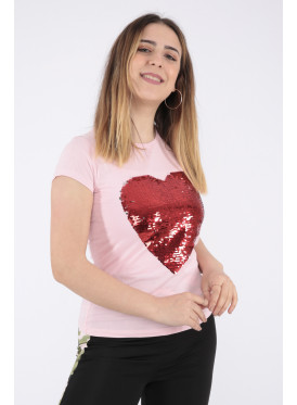 Elegant pink T-shirt with sequin heart print