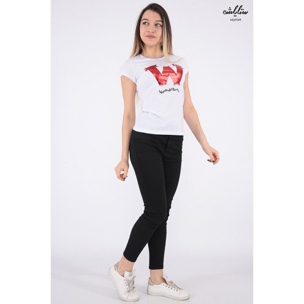 Elegant white T-shirt decorated with pearl beads and beautiful writings that make your appearance more elegant