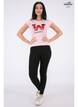 Elegant pink T-shirt decorated with pearl beads and beautiful writings that make your appearance more elegant