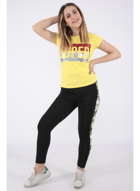 Elegant yellow T-shirts with outstanding details for a beautiful view