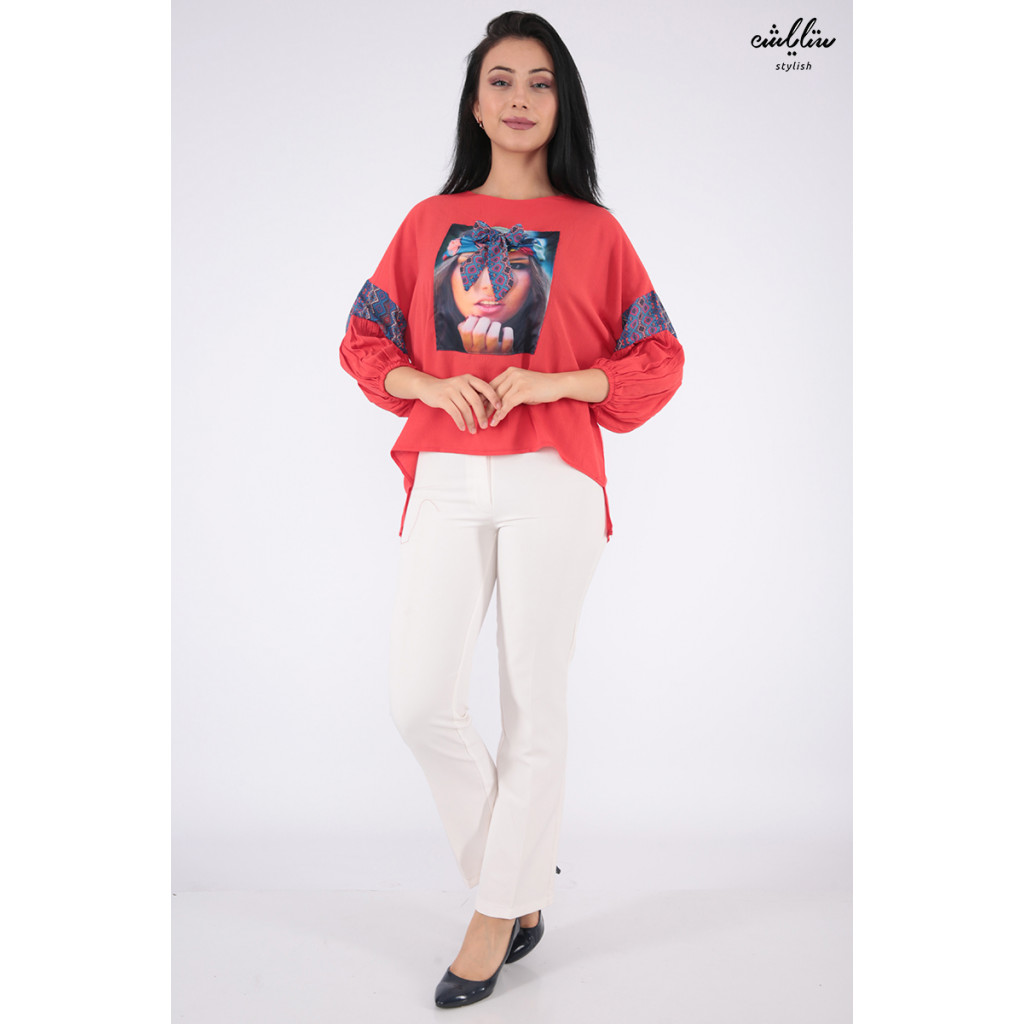 Elegant red blouse with a high neck height and collar with soft prints decorated with prominent Pyeonque