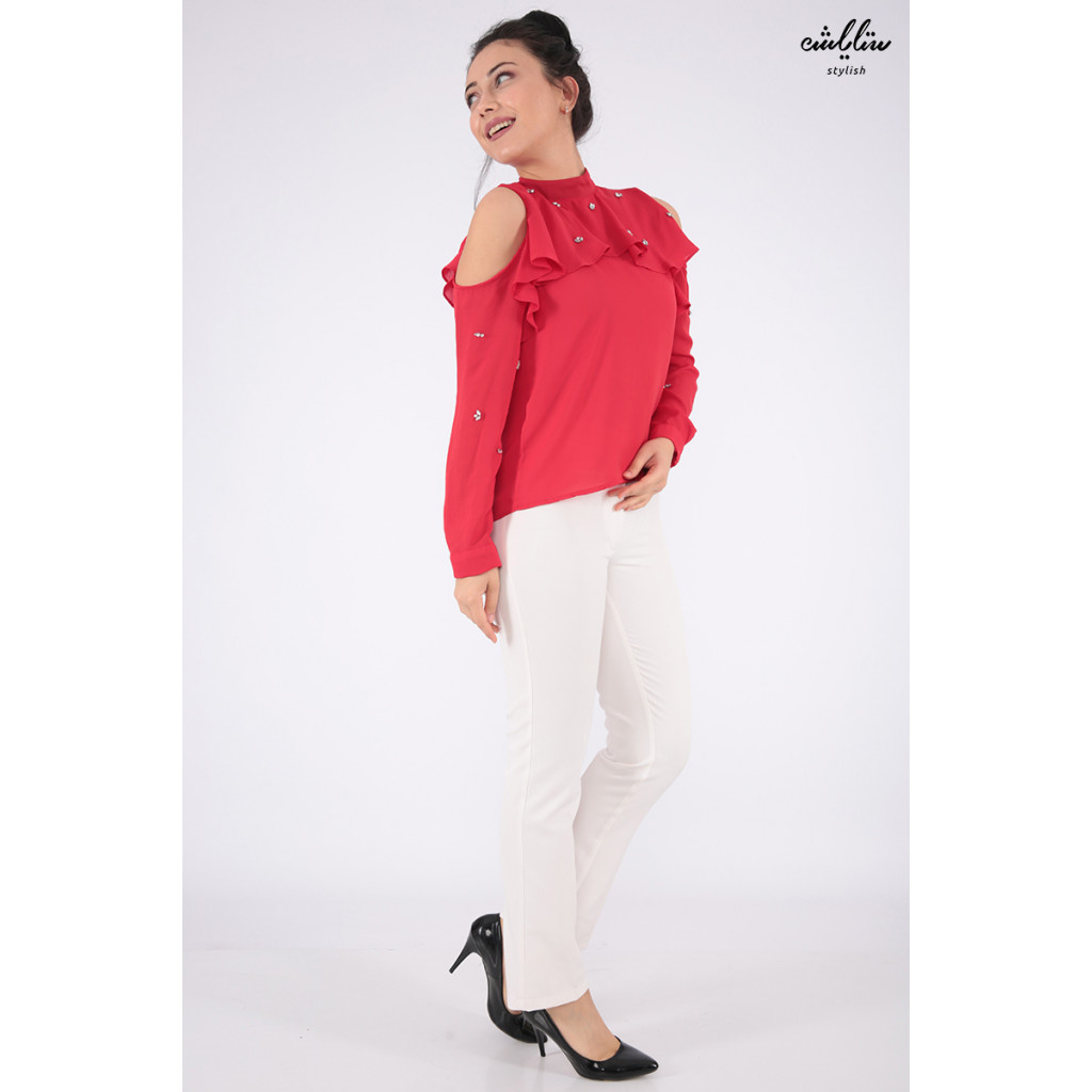 Elegant red blouse with long sleeves exposed with crystal shoulder
