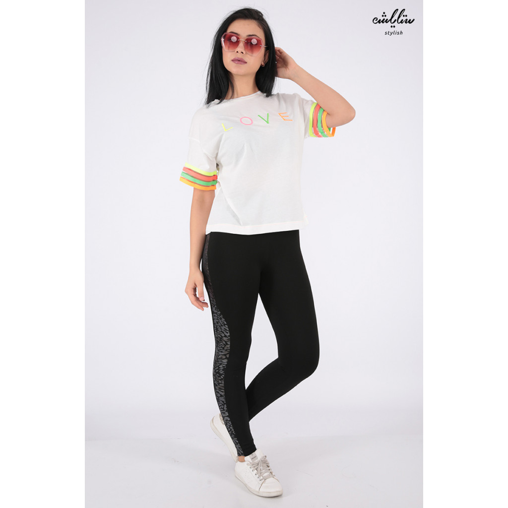 Elegant white embroidered T-shirt with soft color