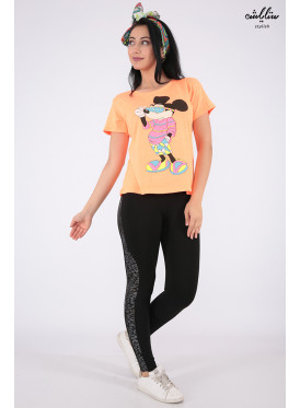 Cute orange t-shirt with soft embroidery and Mickey Mouse print with an elegant touch
