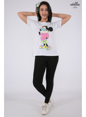 Cute white t-shirt with soft embroidery and Mickey Mouse print with Elegant touch