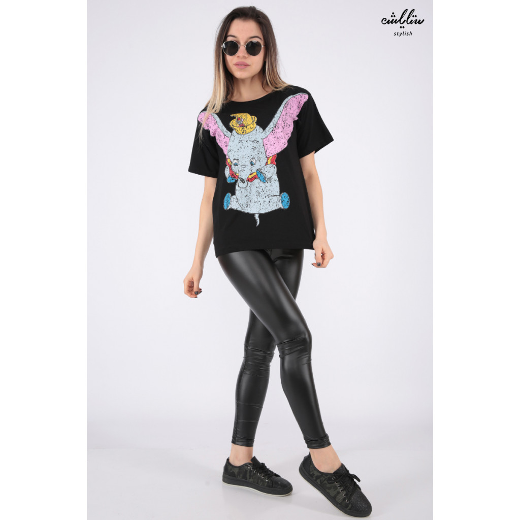Beautiful black T-shirt in the character of the elephant Dambo