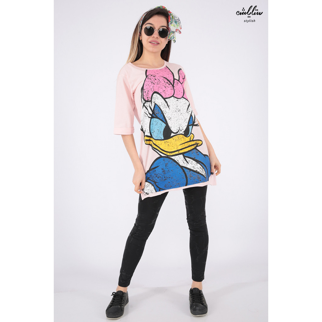 Soft pink t-shirt with daisy personal print