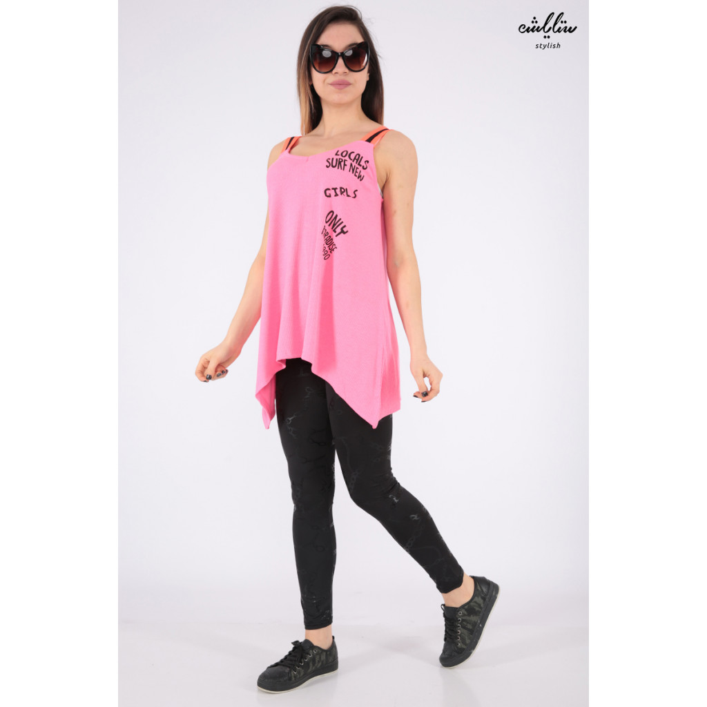 Long sleeveless pink T-shirt decorated with soft crisp writing