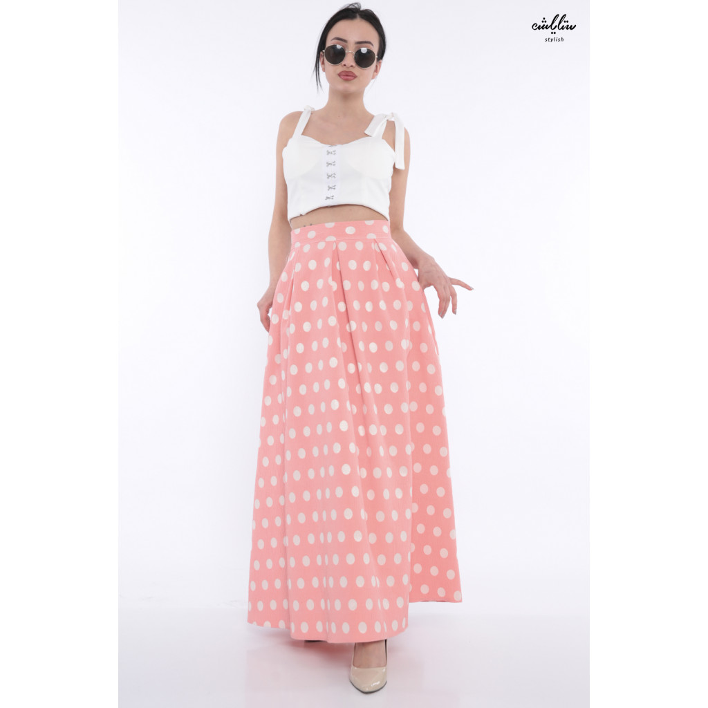 Elegant skirt in pink white dotted with crumb with attractive views