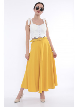 Elegant wide skirt in yellow Maango adds an appealing touch