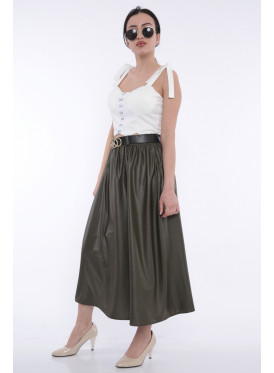 Elegant oil-colored skirt with a shiny look