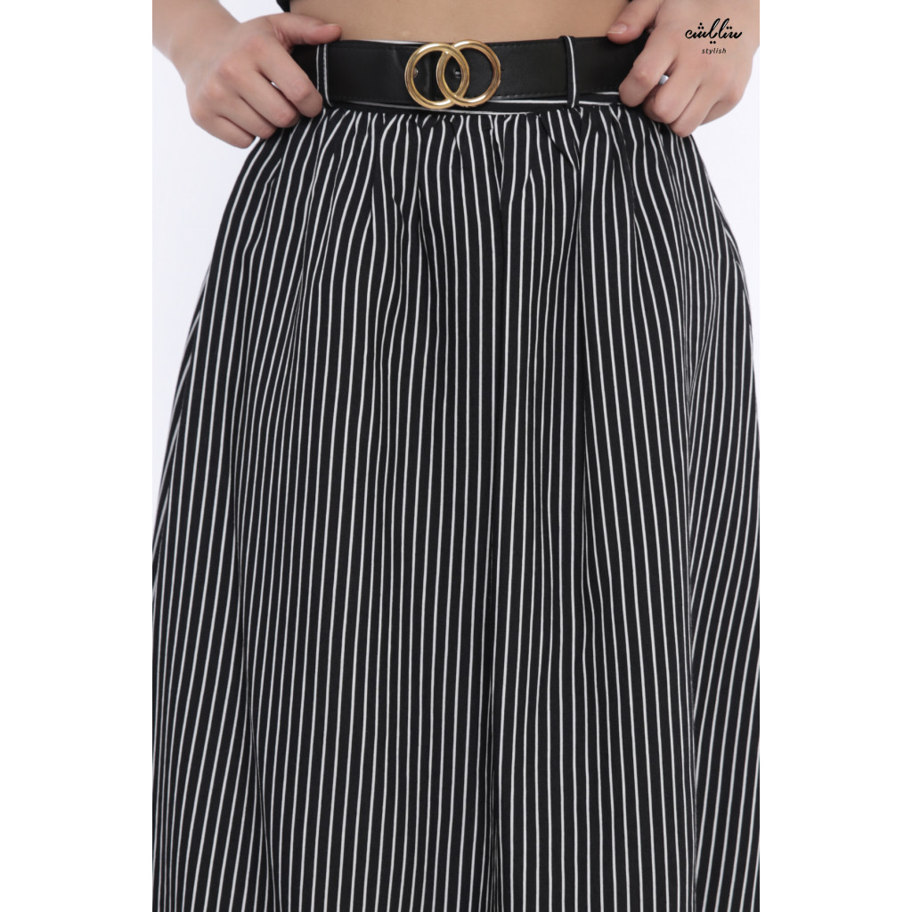 Elegant black skirt with white striped design gives attractive look