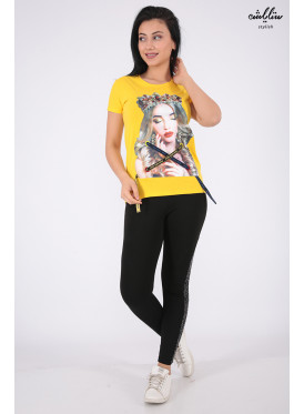 Elegant yellow T-shirts with nice prints and pearl beads for a beautiful view