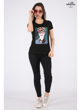 Elegant black T-shirts decorated with pearls, sequins and highlights